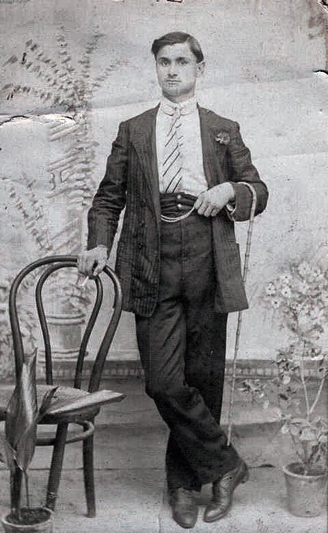 Un giovanissimo Leopoldo Santagata